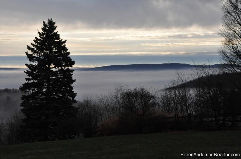 Fog Farmington Valley - Simsbury-CT