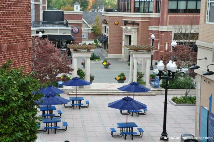 West-Hartford-CT-Blue Back Square