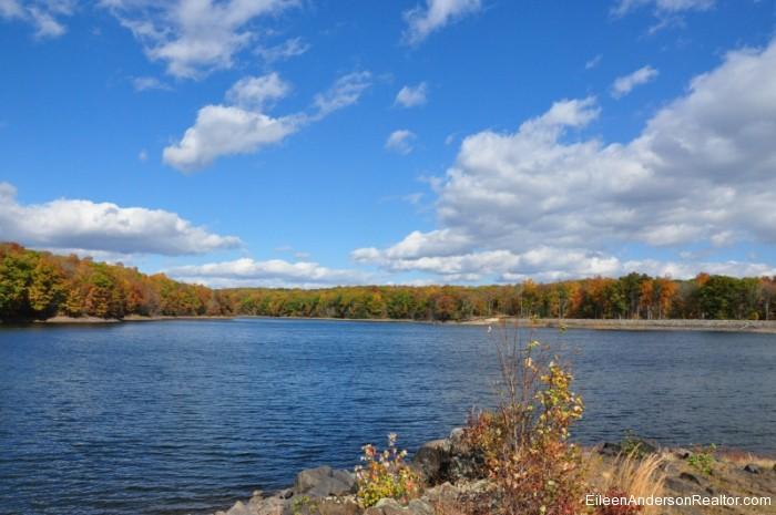 West-Hartford-CT-Hiking West Hartford Reservoir