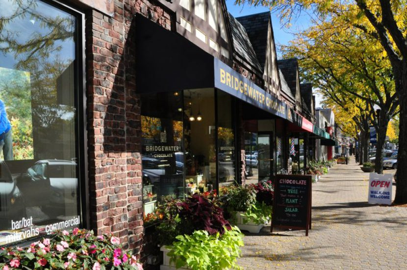 Real Estate West Hartford CT, realtor West Hartford, CT,West-Hartford-CT Restaurants Blue Back Square West Hartford Center,hike, Bike Photography