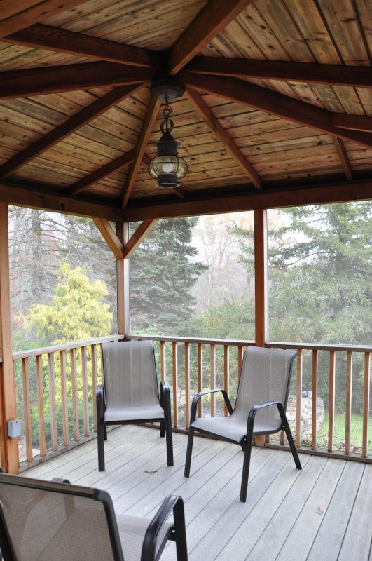 Screen Porch 208 Westledge Rd, West Simsbury, CT