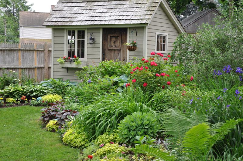 Light Shade - Part Sun: Hostas, ferns, sedum, coral bells, iris, viburnum, yellow grass, impatiens, lilies.